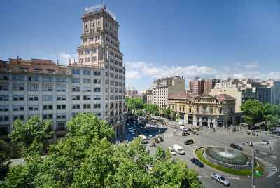 Residential building for sale in the center of Barcelona's Old Town